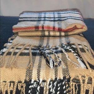 Burberry scarf (fake)